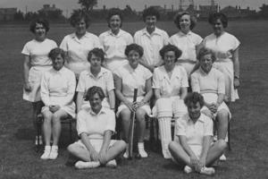The Worcester Women's cricket team wearing white uniforms in 1953