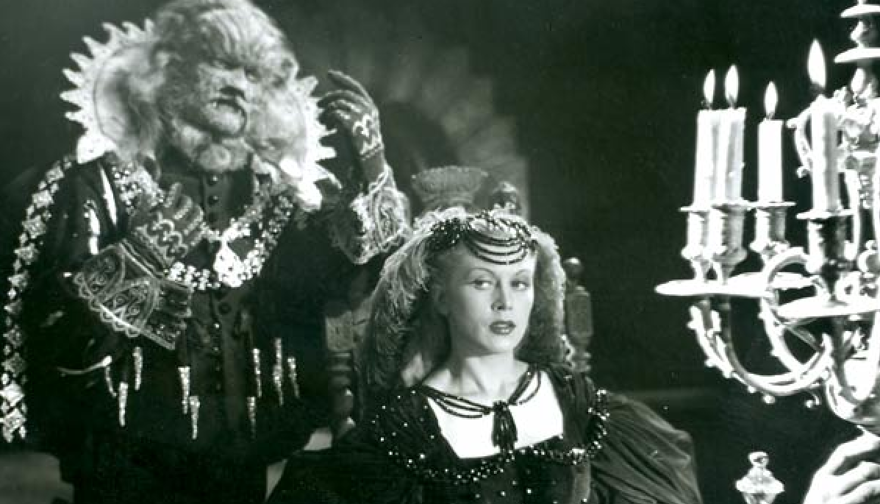La Belle Et La Bete film still