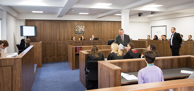 university-of-worcester-law-facilities-court-room